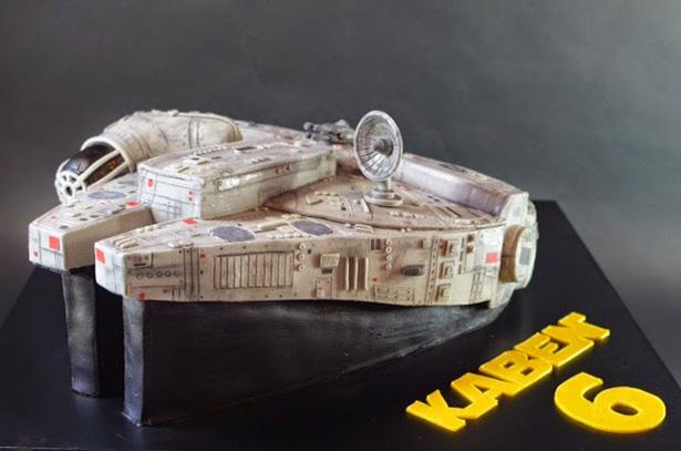 Millennium falcon cake 3