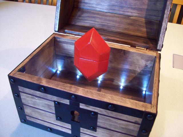 zelda-treasure-chest-engagement-box-1