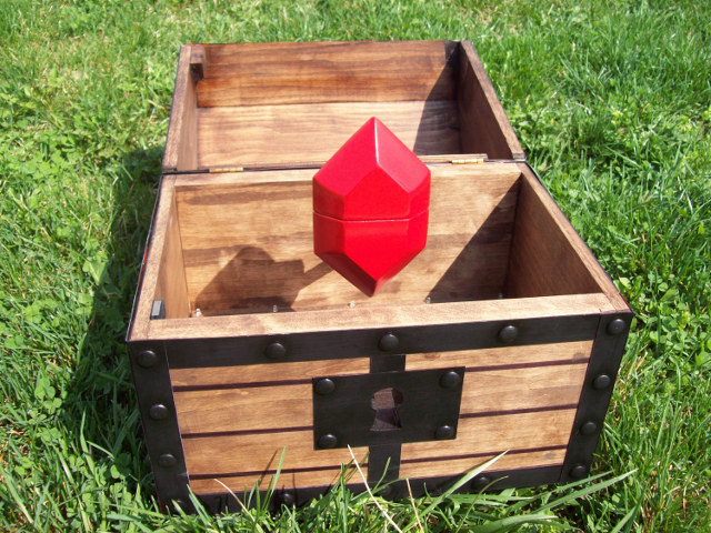 zelda-treasure-chest-engagement-box-2