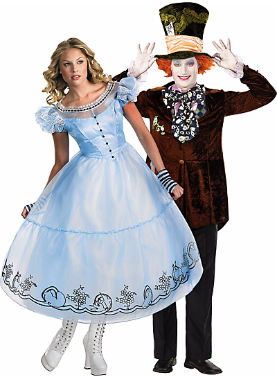Halloween-Couples-Costumes-Ideas-Alice-in-Wonderland