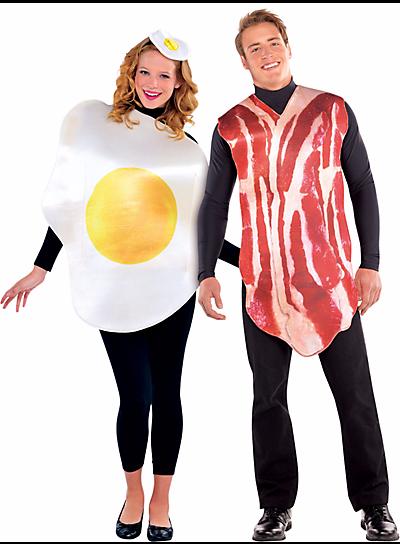 Halloween-Couples-Costumes-Ideas-Bacon-Eggs