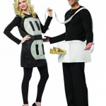 Halloween-Couples-Costumes-Ideas-plug-socket
