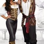 Halloween-Couples-Costumes-Pirates