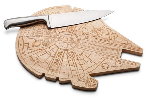 gift idea for geeks Star Wars Millennium Falcon Wooden Cutting Board