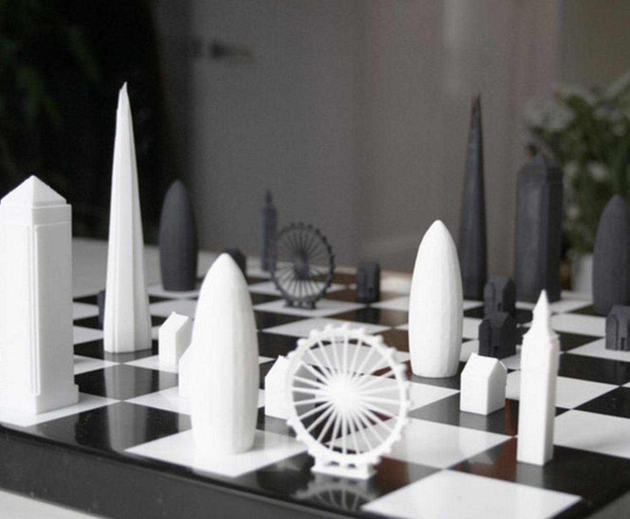 Cool Skyline Chess Set