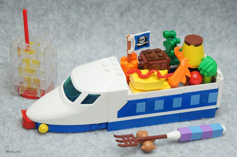 Artist Creates Yummy LEGO Food Sculptures 3