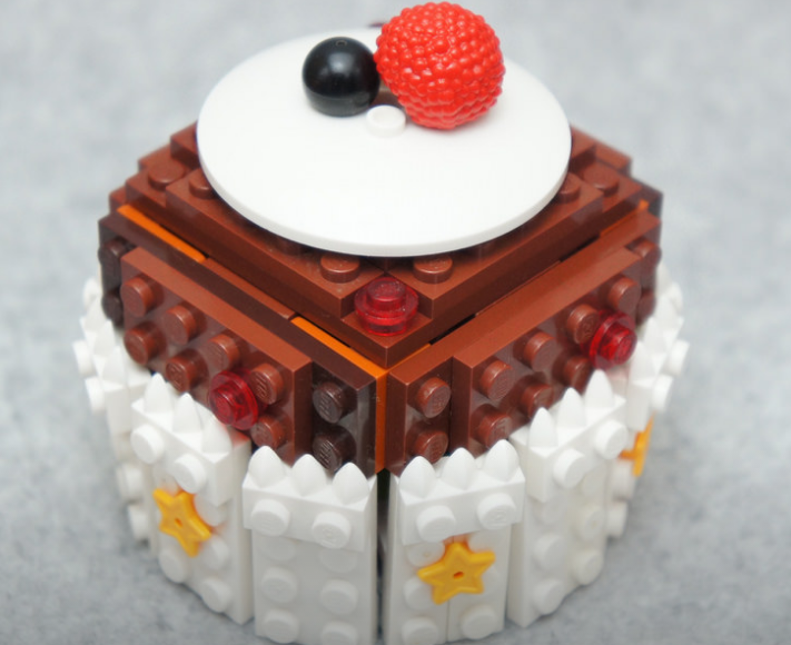 Artist Creates Yummy LEGO Food Sculptures 8