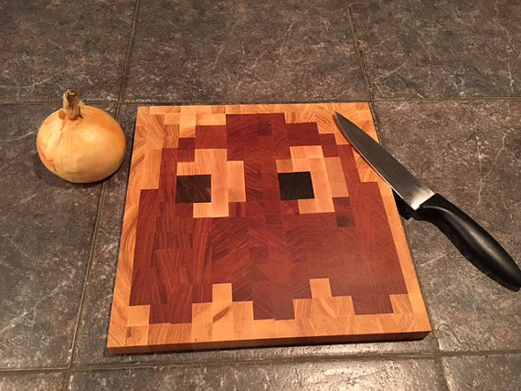 8-bit-pacman-ghost-cutting-board