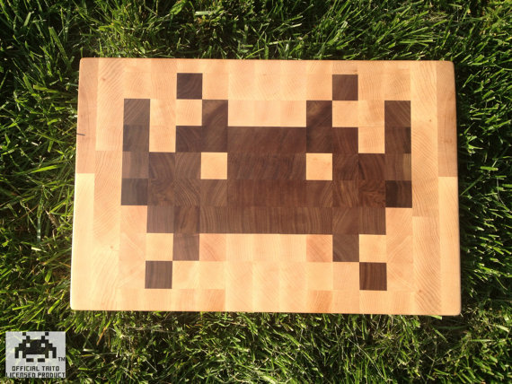 best-funny-geeky-cutting-board-space-invaders-tm-cutting-board