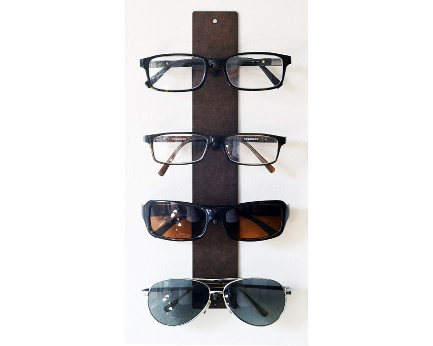 30-clever-products-to-organize-your-life-eyewear-display