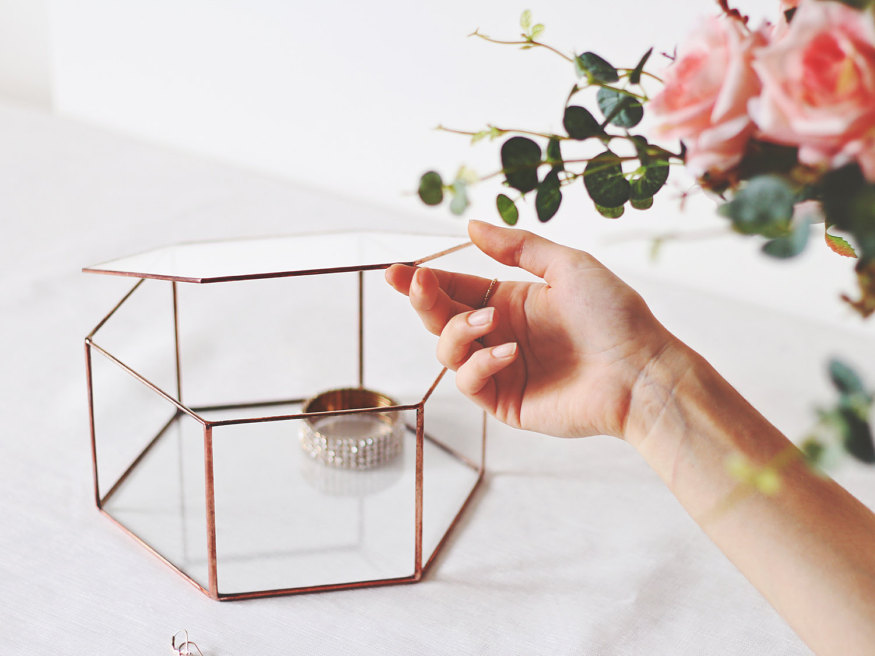 30-amazin-products-to-organize-your-life-glass-jewelry-box