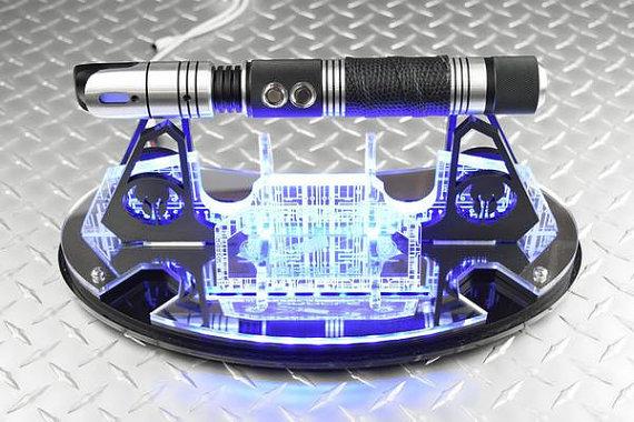 elite-circuitry-saber-stand