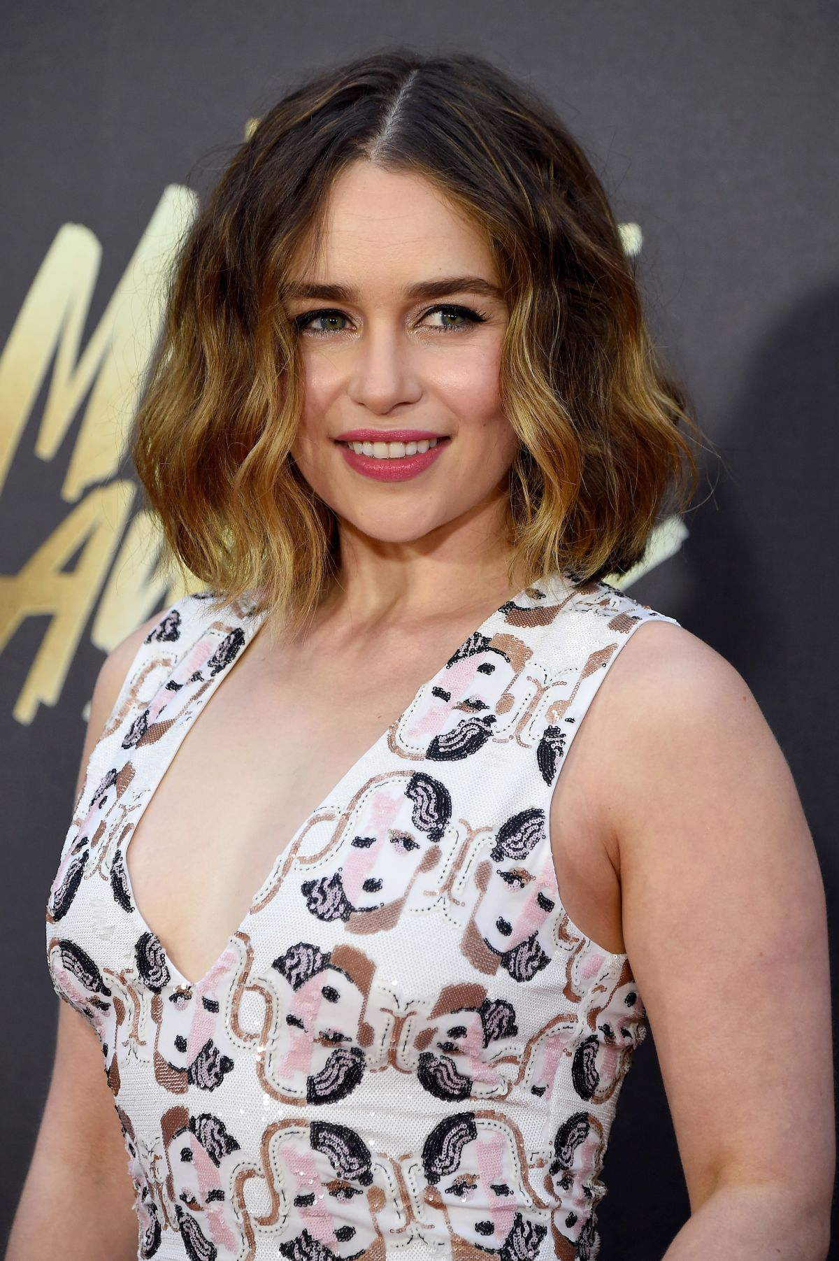 emilia-clarke-mtv-movie-awards