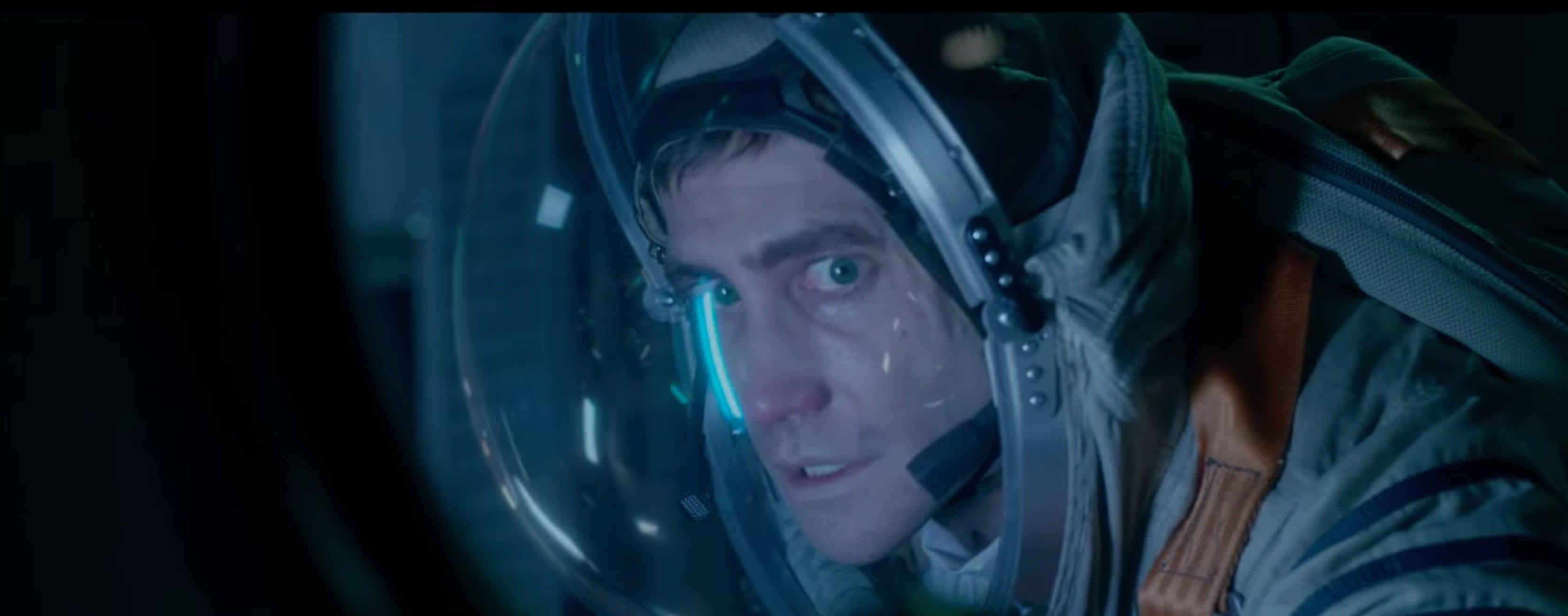 life-2017-movie-screenshot