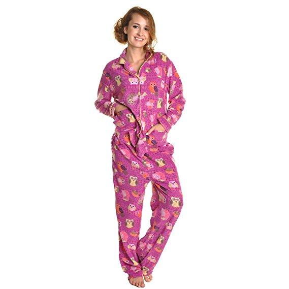 best-valentines-day-gift-ideas-for-her-2017-cozy-fleece-pajama-set