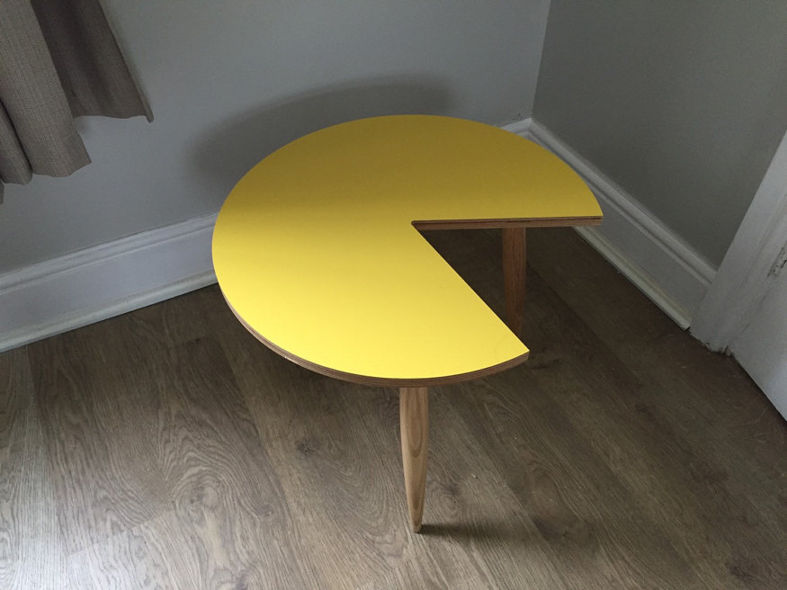 geeky-2017-pac-man-coffee-table