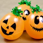 Easy and Fast DIY Balloon Pumpkin Patch