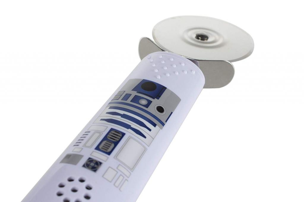 Star Wars kitchen accessory: R2-D2 pizza cutter