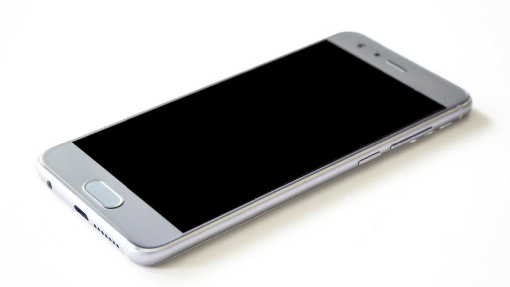 V30 Smartphones