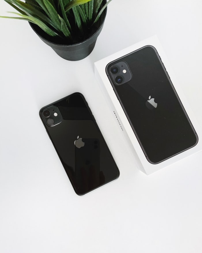 Black iPhone 11
