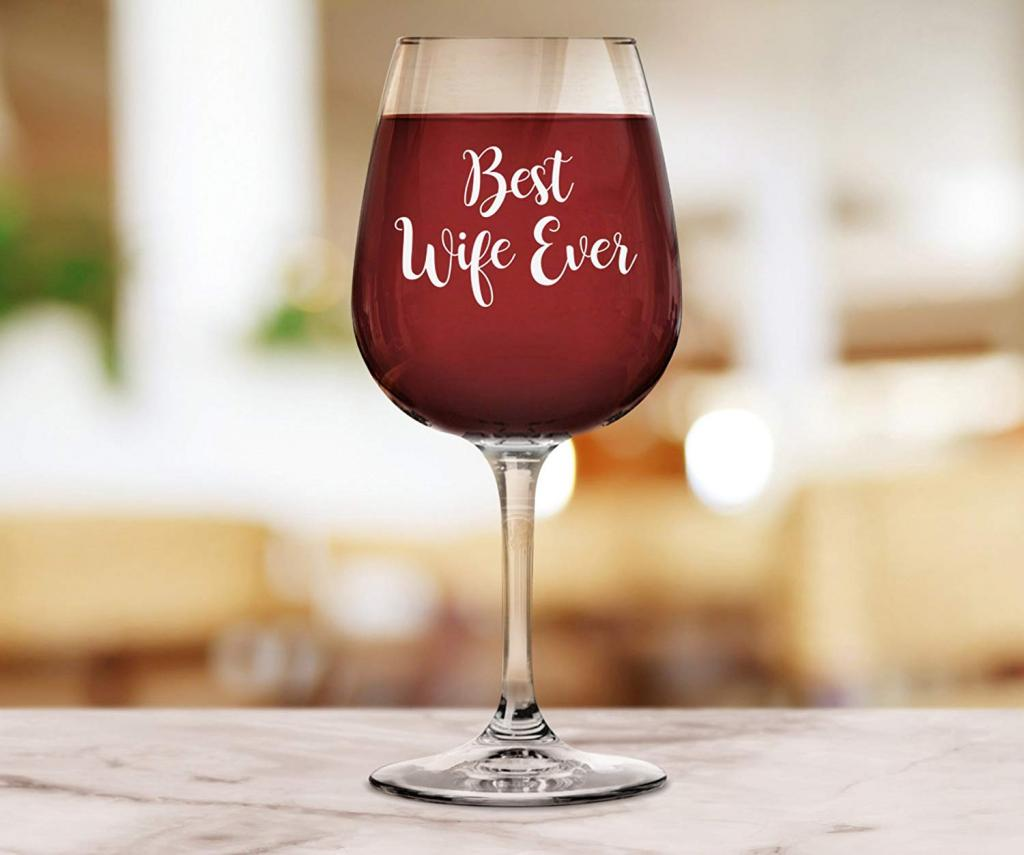 Romantic valentines day wine glass